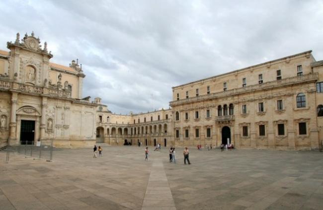 Lecce-Piazza-del-Duomo